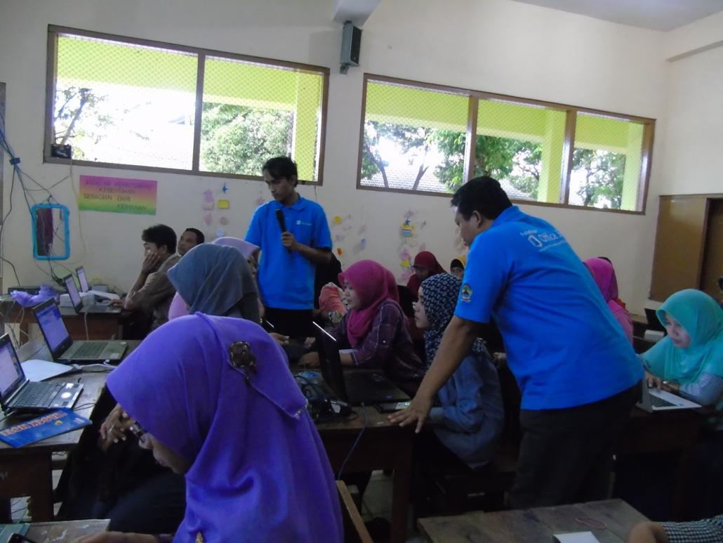 Pelatihan Pemanfaatan TIK untuk Pembelajaran Bagi Guru SD Baturetno